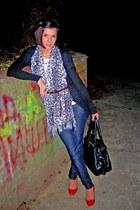 non branded scarf - Bershka shoes - Zara jeans - Bershka sweater