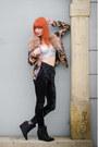 Crushed-velvet-h-m-leggings-chain-print-forever-21-jacket-sequin-h-m-bra