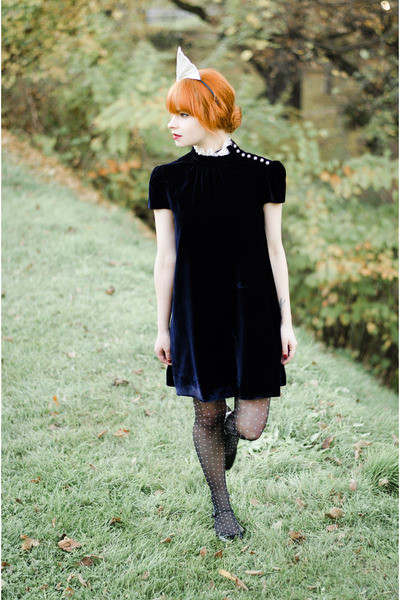 velvet Dolce & Gabbana dress - polka dot Valentino x Wolford tights