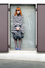 Black-new-yorker-bag-white-striped-primark-coat-black-dior-sunglasses