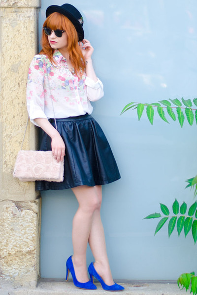 floral print persun shirt - Ray Ban sunglasses - faux leather Review skirt