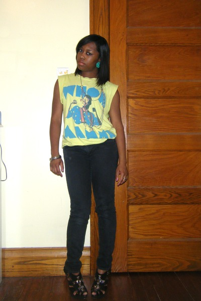 yellow shirt - black jeans - black shoes - silver accessories