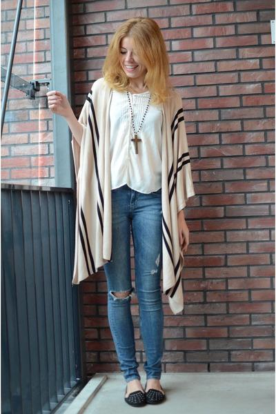 H&M cape - H&M jeans - Mango blouse - new look flats