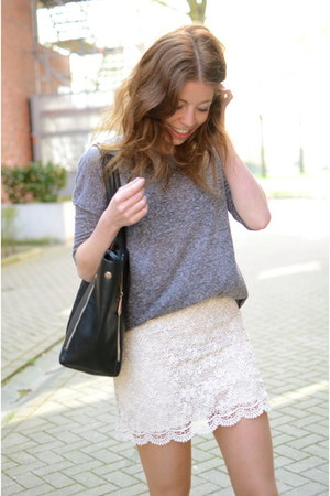 Mango skirt - we shirt - romwe bag