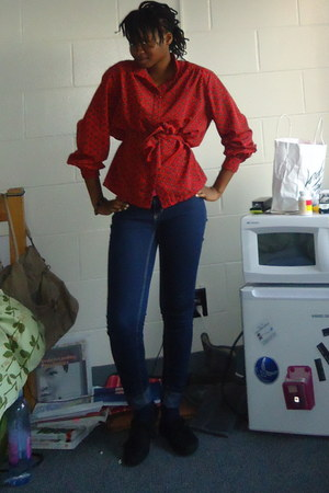 navy City streets jeans - black Payless shoes - red paisley Goodwill blouse