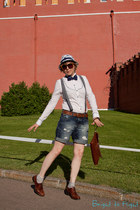 blue H&M hat - off white G-Star shirt - crimson longchamp bag