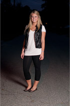 black black cotton Forever 21 leggings - white oversized white Mossimo t-shirt