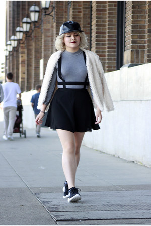 crop grey Forever 21 top - Urban Outfitters dress