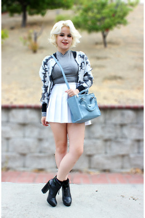 white  pleated American Apparel skirt