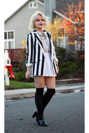 American Apparel skirt - silkies socks