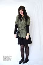 green unknown shirt - black Old Navy skirt
