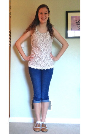 eggshell lace Maurices shirt - brown oxfords Bass shoes