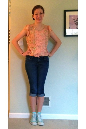 light pink floral Maurices blouse - navy American Rag jeans