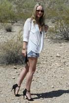basic sandal Zara heels - vintage cutoff Levis shorts