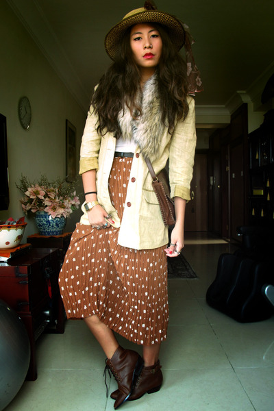 vintage skirt - H&amp;M shoes - vintage hat - vintage blazer - Zara scarf