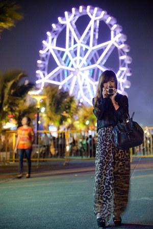 anita frame Alexander Wang bag - suede Zara wedges