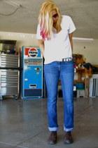 TBS shoes - mens v-neck Hanes t-shirt - silver belt JCrew belt