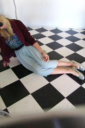 open blazer Urban Outfitters blazer - Karmaloop shirt - H&M skirt - sequins allo