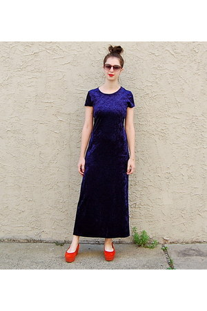 navy vintage dress - carrot orange vagabond shoes