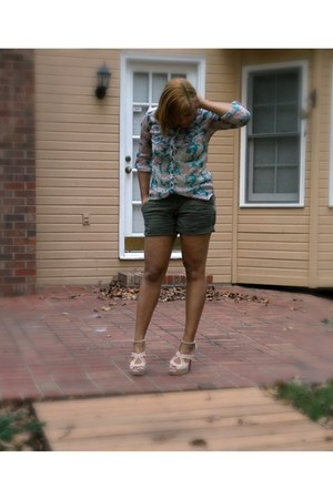 neutral heels - green Charlotte Russe shorts - turquoise blue flroal blouse