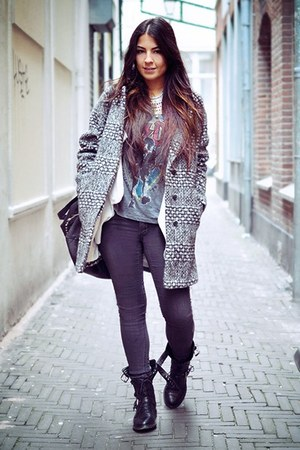 Burcua necklace - Zara boots - H&M jeans - H&M jacket - H&M t-shirt