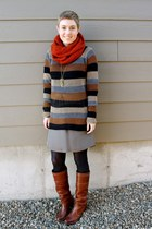 stripes blue bird sweater - Frye boots - silk banana republic skirt