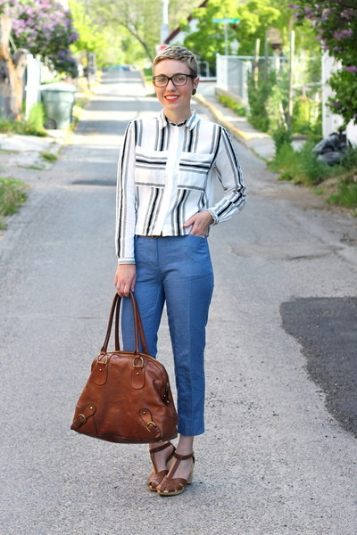 banana republic bag - H&M shirt - Old Navy sandals - Gap pants