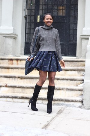 Tobi sweater - Alexandre Birman boots - Zara skirt