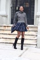Tobi sweater - Alexandre Birman boots - Zara skirt