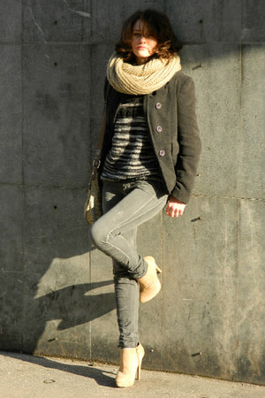 beige Aldo boots - heather gray Bershka jeans - beige NewYorker scarf