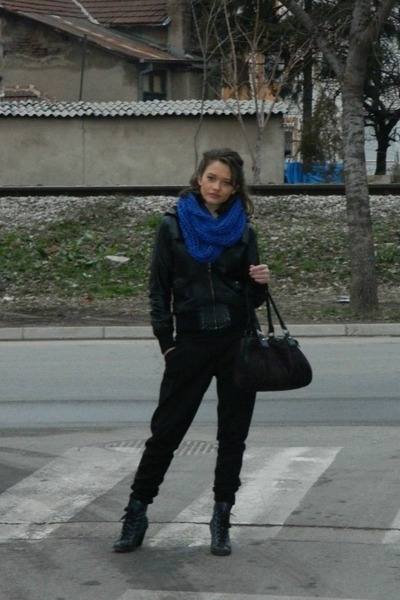 blue knitted handmade scarf - black leather Mango jacket - black Pronto pants
