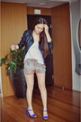 Black-faux-leather-jacket-salmon-prints-zara-shorts-white-basic-zara-t-shirt