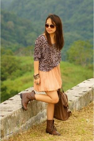 Forever 21 boots - Givenchy bag - Forever 21 sunglasses - Bazaar skirt