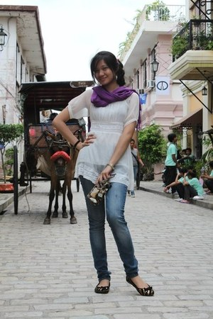dress - gartered jeans jeans - purple scarf - janeo flats