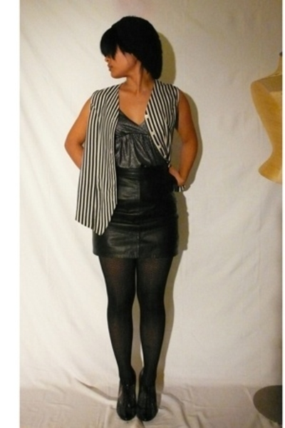 black leather skirt zqd skirt - silver shiny Forever21 top