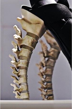 spine DSquared heels