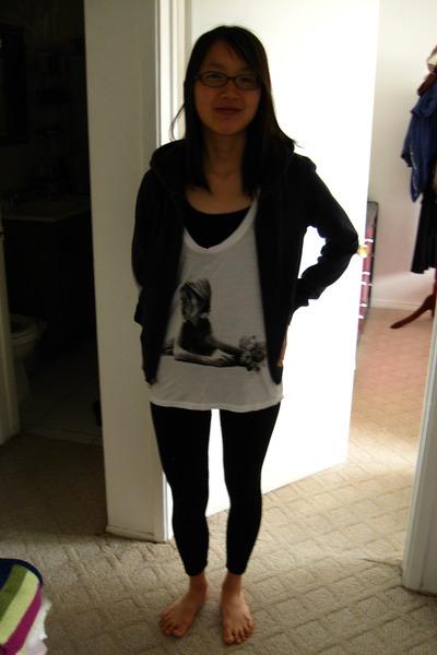 Black Forever 21 Shirts, White Shirts, Black Leggings, Old Navy ...