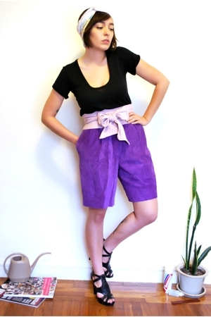 purple suede vintage shorts - black woven platform Steve Madden shoes