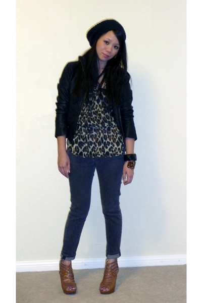 Forever 21 jacket - Forever 21 top - Uniqlo jeans - Chinese Laundry shoes - Fore