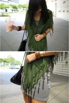 green shawl f21 accessories - black bag Mango accessories - gray cotton on dress