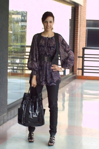purple printed Zara blouse - black platforms Nine West shoes