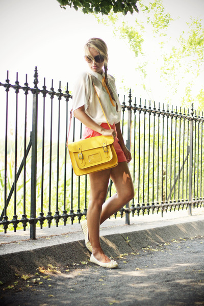 gold VJ-style bag - salmon Forever21 shorts - light yellow sarenzait flats