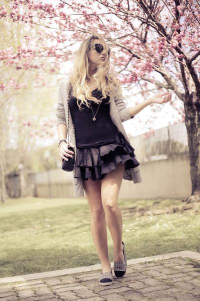 black le bunny bleu shoes - black no brand dress - black Chanel bag