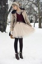 beige H&M skirt - beige H&M hat - crimson Philosophy by Alberta Ferretti blazer