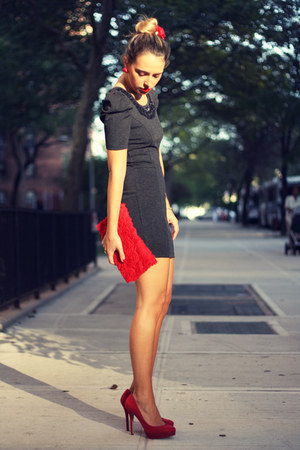 red H&M bag - gray Forever 21 dress - red Bershka pumps