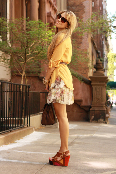 brick red Not Rated wedges - beige Stradivarius dress