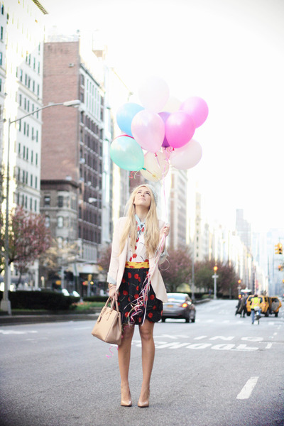 Peach Prada Bag - How to Wear and Where to Buy | Chictopia