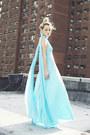 Sky-blue-vonvonni-dress-white-elite-heels
