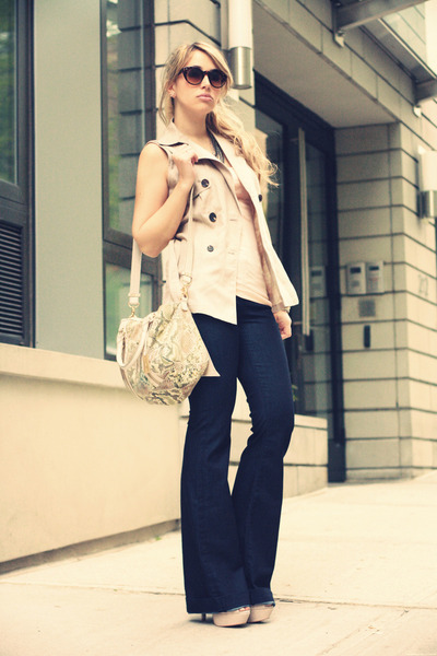 navy David Kahn jeans - tan Remi&Emmy bag - cream Forever21 vest