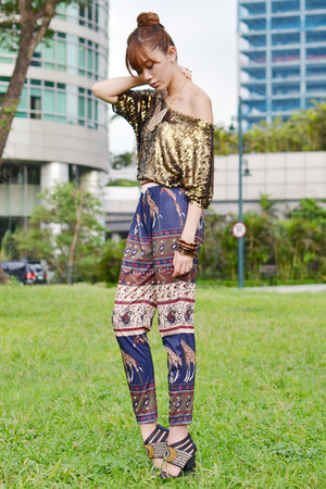 SM GTW pants - island girl necklace - Style Staple top - michael antonio heels